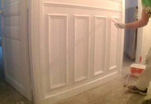 how much does it cost to paint wainscoting